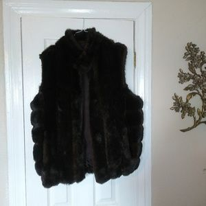 Vintage VI style New York Faux fur vest size lg